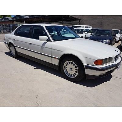 6/1998 Bmw 735iL E38 4d Sedan White 3.5L