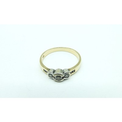 9ct Yellow Gold Ring With Seven Round Brilliant Cut Diamonds
