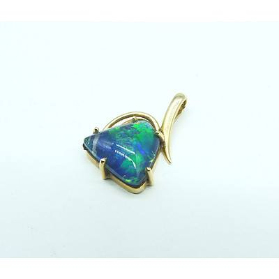9ct Yellow Gold Pendant with Triangle Shaped Opal Triplet