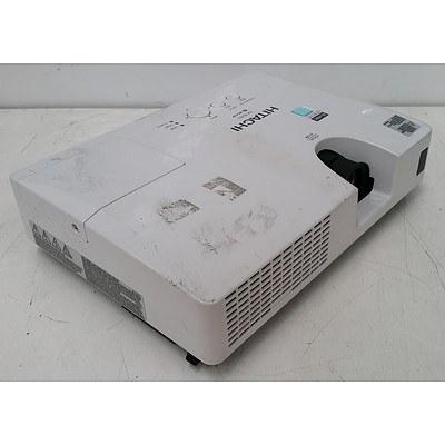 Hitachi CP-RX82 XGA 3LCD Projector