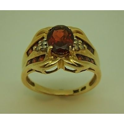 10ct Yellow Gold Ring With Garnet