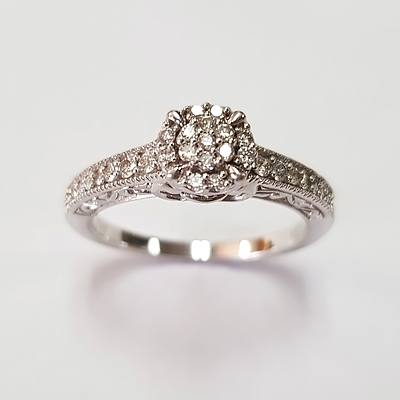 10ct White Gold Ring With Diamonds
