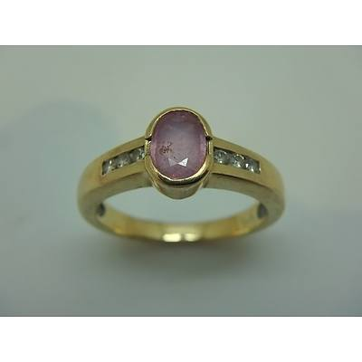9ct Yellow Gold Ring With Diamonds And Garnet