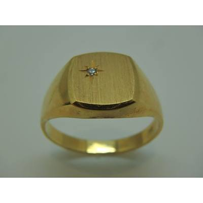 18ct Yellow Gold Ring With Diamond