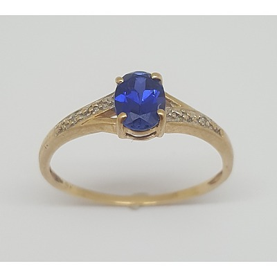 9ct Yellow Gold and Sapphire Ring