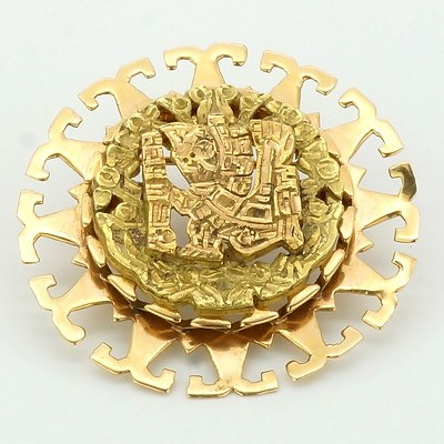 18ct Pink and Yellow Gold Aztec Pendant, 15.9g