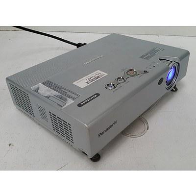Panasonic PT-LB20NTEA XGA 3LCD Projector