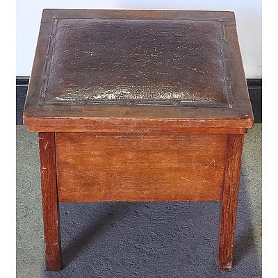 Vintage Buttoned Leather Commode with Porcelain Bowl