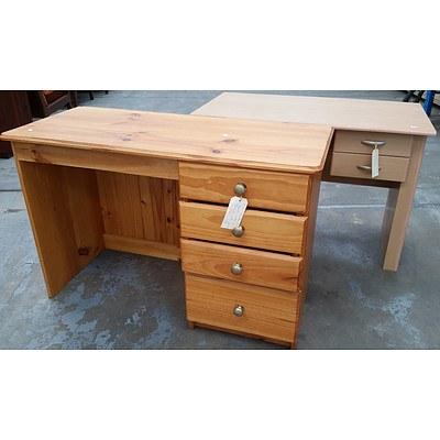 2 Student Desks