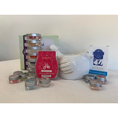 Scentsy Pack with Bird Difuser and Various Scented Oils