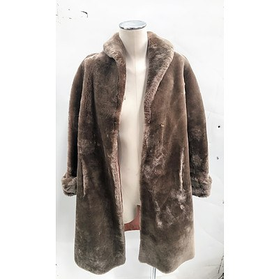 Vintage Royal Castor Best Beaver Lamb Fur Coat