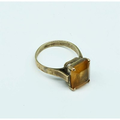 14ct Yellow Gold Ring with Emerald Cut Citrine
