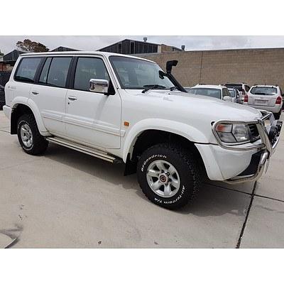 1/2000 Nissan Patrol Ti (4x4) GU 4d Wagon White 4.5L