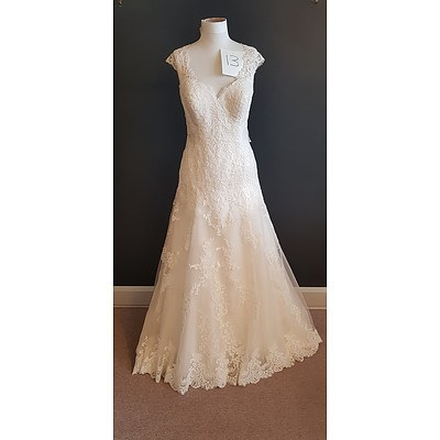 Stella Yorke  A-Line Sweetheart Wedding Dress - Size 20