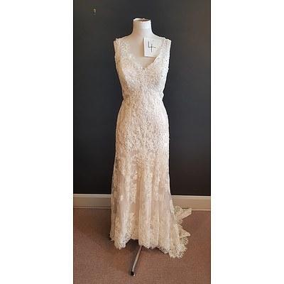 Essence  Modern Vintage Wedding Dress - Size 20