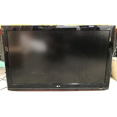 Large LCD Displays & Television - Lot of 4