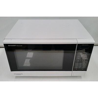 Sharp Carousel 1100W  Microwave