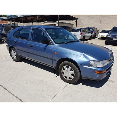 5/1999 Toyota Corolla CSi SECA AE101R 5d Liftback Blue 1.6L