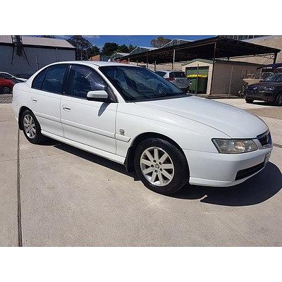 11/2002 Holden Berlina  VY 4d Sedan White 3.8L