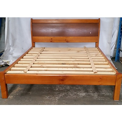 Queen Size Pine Sleigh Bed