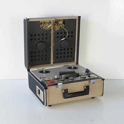 Sony Stereo Tape recorder TC-200