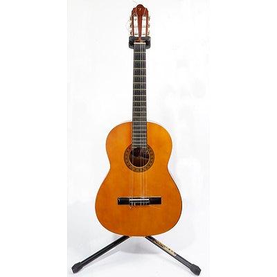 Valencia VC 104 Classic Guitar