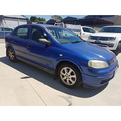 2/2005 Holden Astra Classic Equipe TS MY05 5d Hatchback Blue 1.8L