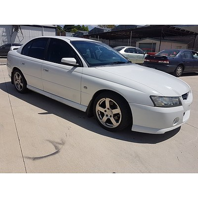 7/2005 Holden Commodore SV6 VZ 05 UPGRADE 4d Sedan White 3 6L