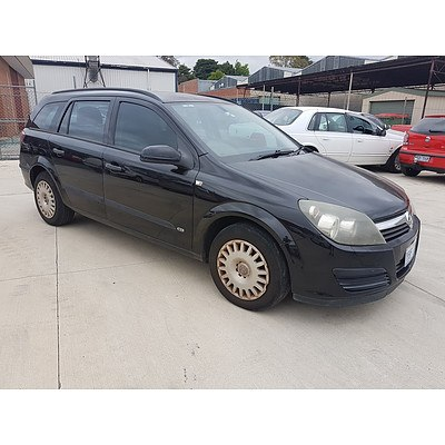 8/2005 Holden Astra CD AH 4d Wagon Black 1.8L