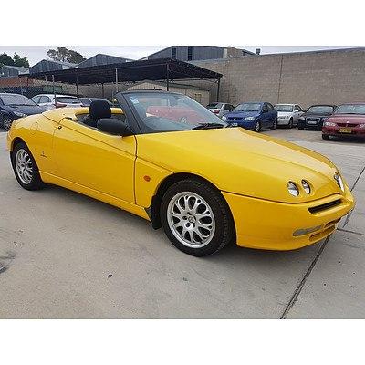 1/2002 Alfa Romeo Spider Duetto  2d Convertible Yellow 2.0L