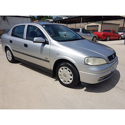10/2000 Holden Astra CITY TS 4d Sedan Silver 1.8L