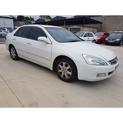 2/2005 Honda Accord V6 Luxury 40 4d Sedan White 3.0L