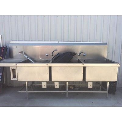 Stainless Steel 3 Tub Sink