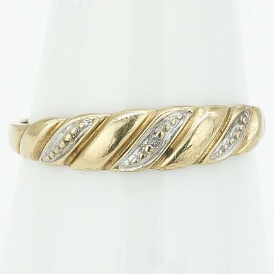 9ct Yellow Gold Dress Ring With One Single Cut Diamond