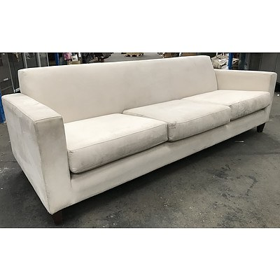 3½ Seater White Lounge
