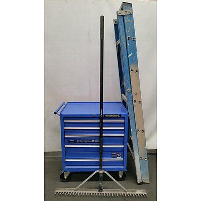 Kinchrome Mobile Tool Chest, Bailey Fiberglass Ladder and Tiling/Concrete Rake