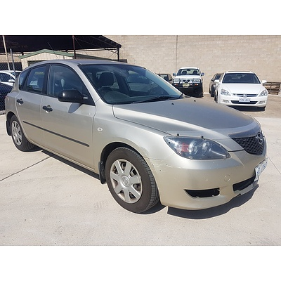 9/2005 Mazda Mazda3 NEO BK 4d Hatch Gold 2.0L