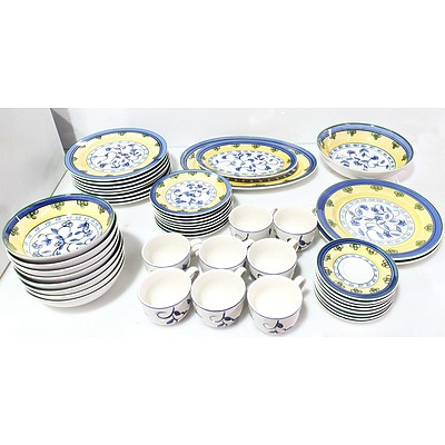Maxwell & Williams Dinning Set for Eight