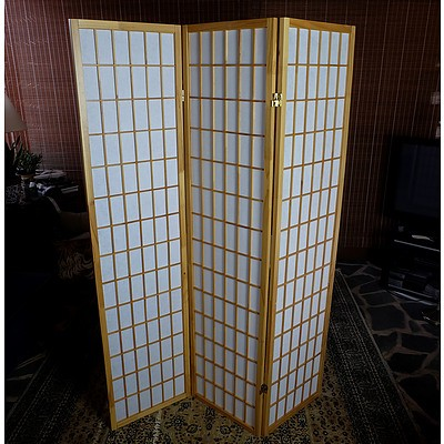 Trifold Pine Lattice and Parchment Screen
