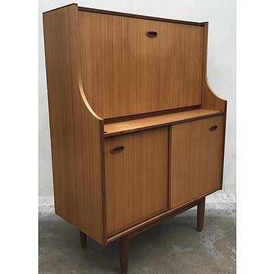 1970s Retro Bureau