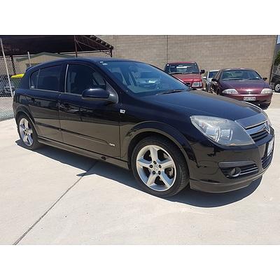 1/2007 Holden Astra SRi AH MY07 5d Hatchback Black 2.2L