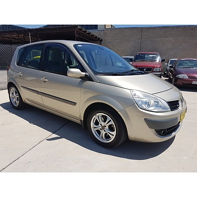 9/2008 Renault Scenic Ii Expression J84 MY07 4d Wagon Gold 1.9L