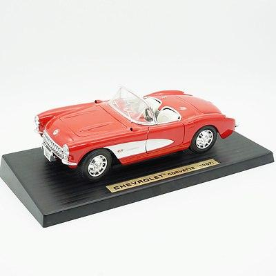 Road Tough Chevrolet Corvette 1957 1:18 Model Car