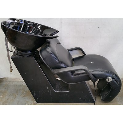 Recumbent Hairdresser's Massage Chair With Basin