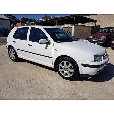 6/2002 Volkswagen Golf 1.6 S  5d Hatchback White 1.6L