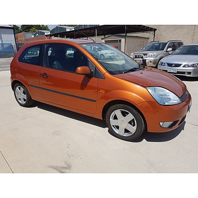 7/2004 Ford Fiesta Zetec WP 3d Hatchback Orange 1.6L