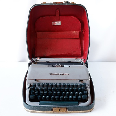 Remington Rand Typewriter EQR363322 and Case