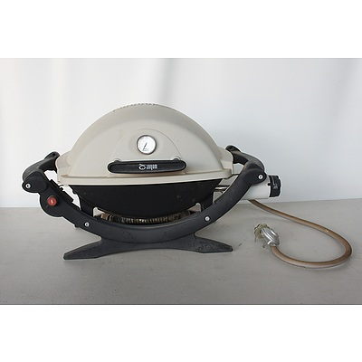 Small Webber Gas Barbecue with Foldout Table