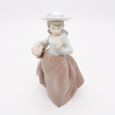 Lladro Nao Figurine Girl with Basket