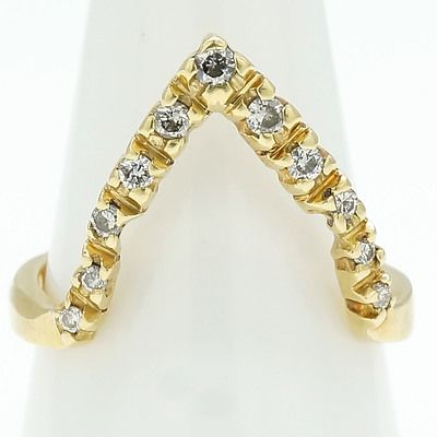 18ct Yellow Gold Ring Long 'V' Shaped Row of Round Brilliant Cut Diamonds in Four Claw Settings